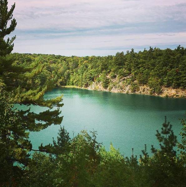 Lac Pink - Crédit @Maximuscast via instagram