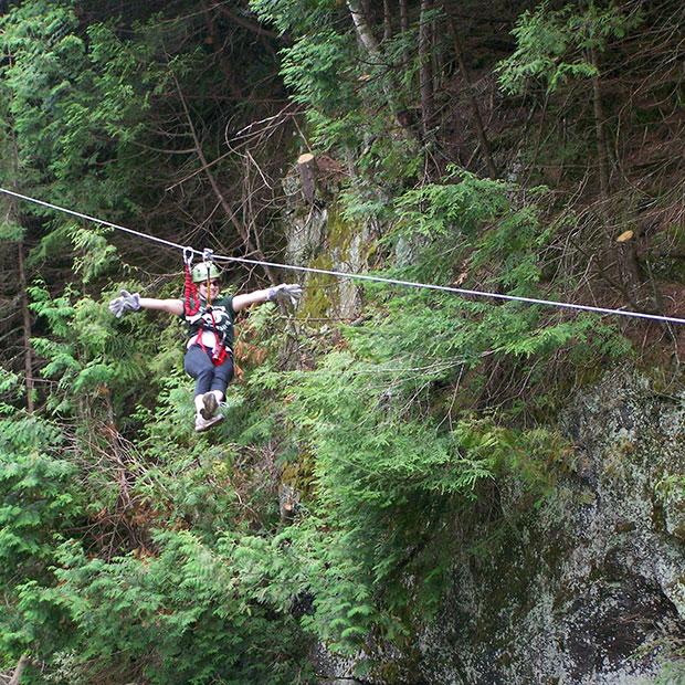parc-aerien-chutes-coulonge